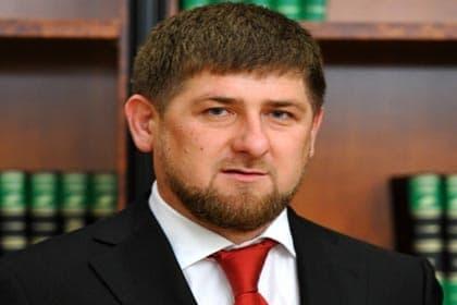 Р. Кадыров вручил дипломы выпускникам Гудермесского филиала Института финансов и права